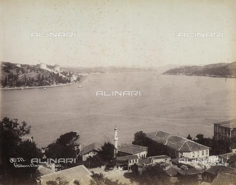 AVQ-A-003909-0001 - Veduta sul Bosforo da Istanbul, con il Castello d'Europa - Data dello scatto: 1885 - 1890 ca. - Archivi Alinari, Firenze