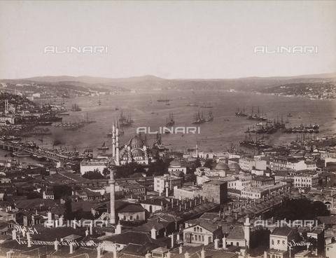 AVQ-A-003909-0004 - Veduta panoramica di Istanbul verso il porto - Data dello scatto: 1885 - 1890 ca. - Archivi Alinari, Firenze