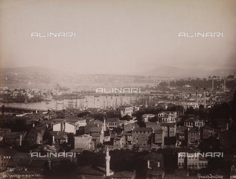 AVQ-A-003909-0006 - Veduta panoramica di Istanbul con il porto - Data dello scatto: 1885 - 1890 ca. - Archivi Alinari, Firenze