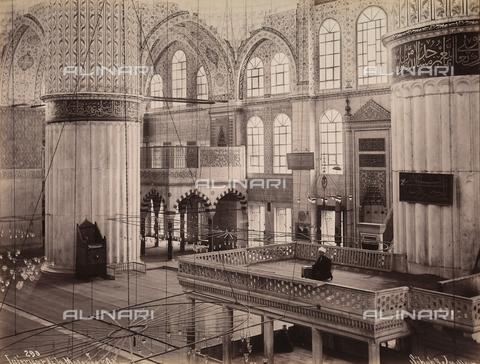 AVQ-A-003909-0024 - Interno della moschea del sultano Ahmet a Istanbul - Data dello scatto: 1885 - 1890 ca. - Archivi Alinari, Firenze