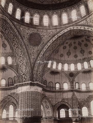 AVQ-A-003909-0025 - Interno della moschea del sultano Ahmet a Istanbul - Data dello scatto: 1885 - 1890 ca. - Archivi Alinari, Firenze