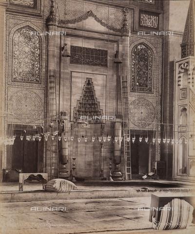 AVQ-A-003909-0027 - Interno di una moschea a Istanbul - Data dello scatto: 1885 - 1890 ca. - Archivi Alinari, Firenze