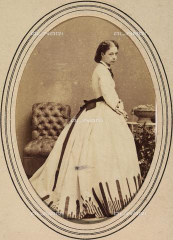 AVQ-A-003930-0069 - Ritratto di Pauline Metternich, moglie del principe Riccardo - Data dello scatto: 1860-70 ca. - Archivi Alinari, Firenze