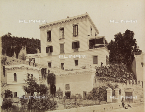 AVQ-A-003971-0006 - View of the Rocca Belvedere Hotel outside in Posillipo, Naples - Date of photography: 1890 ca. - Fratelli Alinari Museum Collections, Florence