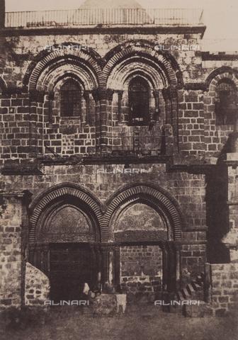 AVQ-A-004115-0029 - Façade of the Holy Sepulchre, in Jerusalem - Data dello scatto: 1856 - Archivi Alinari, Firenze