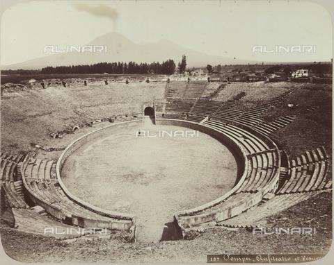 AVQ-A-004117-0049 - L'Anfiteatro di Pompei - Data dello scatto: 1865 ca. - Raccolte Museali Fratelli Alinari (RMFA), Firenze