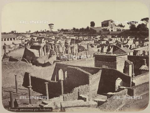 AVQ-A-004117-0050 - Panorama dell'Area Archeologica di Pompei - Data dello scatto: 1865 ca. - Raccolte Museali Fratelli Alinari (RMFA), Firenze