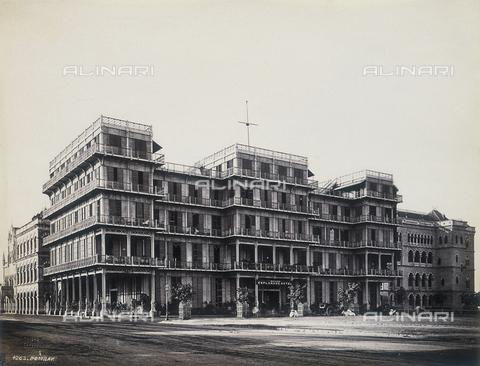 AVQ-A-004120-0035 - L'Hotel Esplanade a Bombay - Data dello scatto: 1880-1890 ca. - Archivi Alinari, Firenze