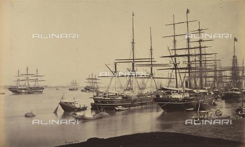 AVQ-A-004121-0005 - Barche ormeggiate al porto di Calcutta in India - Data dello scatto: 1863-1870 ca. - Raccolte Museali Fratelli Alinari (RMFA), Firenze