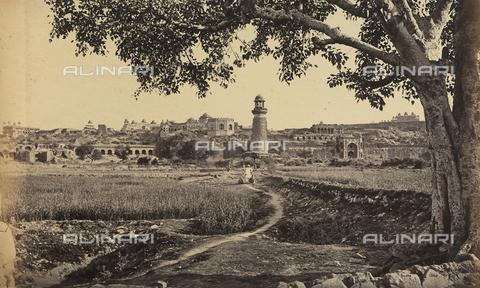AVQ-A-004121-0019 - Scorcio della piccola città di Fatehpur Sikri, nei pressi di Agra in India: costruita nel 1569, essa fu abbandonata per mancanza d'acqua - Data dello scatto: 1863-1870 ca. - Raccolte Museali Fratelli Alinari (RMFA), Firenze