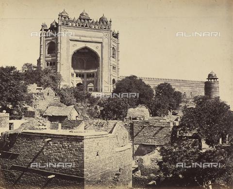 AVQ-A-004121-0020 - La grande torre di Fatehpur Sikri, nei pressi di Agra in India - Data dello scatto: 1863-1870 ca. - Raccolte Museali Fratelli Alinari (RMFA), Firenze