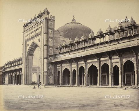 AVQ-A-004121-0022 - La grande moschea di Fatehpur Sikri, nei pressi di Agra, in India - Data dello scatto: 1863-1870 ca. - Raccolte Museali Fratelli Alinari (RMFA), Firenze