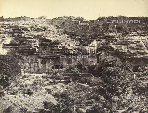 AVQ-A-004121-0034 - Sculture nella roccia del forte di Gwalior, in India - Data dello scatto: 1863-1870 ca. - Raccolte Museali Fratelli Alinari (RMFA), Firenze