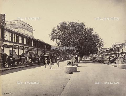 AVQ-A-004121-0042 - La Chandni Chawk (principale strada commerciale) di Delhi, in India - Data dello scatto: 1863-1870 ca. - Raccolte Museali Fratelli Alinari (RMFA), Firenze