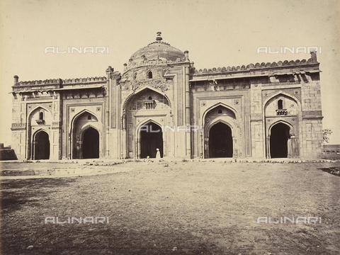 AVQ-A-004121-0044 - Una grande moschea di Delhi, in India - Data dello scatto: 1863-1870 ca. - Raccolte Museali Fratelli Alinari (RMFA), Firenze