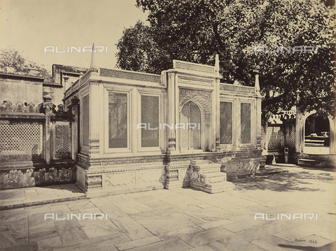 AVQ-A-004121-0045 - Una tomba di Delhi, in India - Data dello scatto: 1863-1870 ca. - Raccolte Museali Fratelli Alinari (RMFA), Firenze