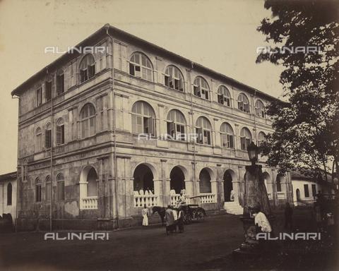 AVQ-A-004121-0056 - Un albergo dello Sri Lanka - Data dello scatto: 1863-1870 ca. - Raccolte Museali Fratelli Alinari (RMFA), Firenze