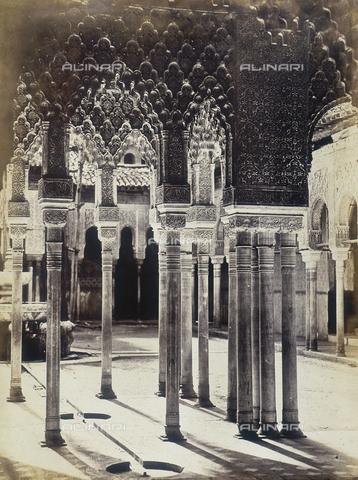 AVQ-A-004124-0005 - Patio de Los Leones (Cortile dei Leoni), Alhambra, Granada - Data dello scatto: 1875 ca. - Raccolte Museali Fratelli Alinari (RMFA), Firenze