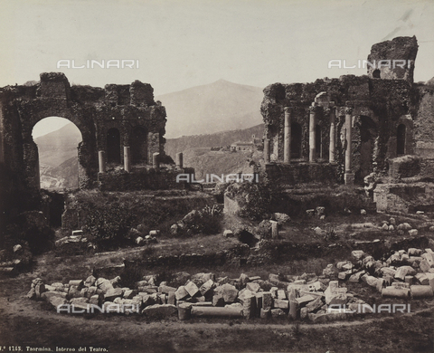 AVQ-A-004127-0011 - Ruins of the Greek Theater in Taormina - Data dello scatto: 1880 ca. - Archivi Alinari, Firenze