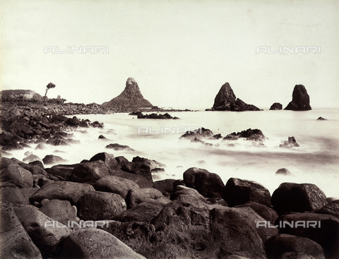 AVQ-A-004127-0018 - Rocks of the Cyclops Riviera at Aci Castello, Catania - Data dello scatto: 1880 ca. - Archivi Alinari, Firenze