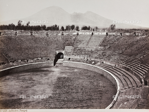 AVQ-A-004278-0040 - Amphitheater of Pompeii - Data dello scatto: 1885 ca. - Archivi Alinari, Firenze