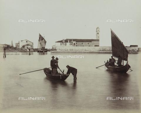 """AVQ-A-004389-0004 - """"Isole della Laguna di Venezia"""", animated view of the Island of Mazzorbo, Venice - Data dello scatto: 1880-1890 - Archivi Alinari, Firenze"""