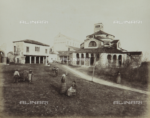 "AVQ-A-004389-0006 - ""Isole della Laguna di Venezia"", animated view of the Island of Torcello with the Cathedral and the Church of Santa Fosca, Venice - Data dello scatto: 1880-1890 - Archivi Alinari, Firenze"