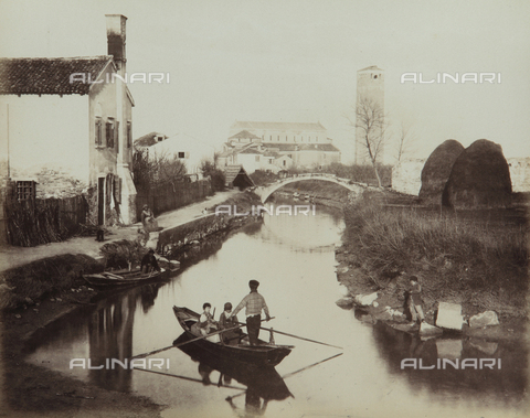 "AVQ-A-004389-0007 - ""Isole della Laguna di Venezia"", view of a canal in the Island of Torcello, Venice - Data dello scatto: 1880-1890 - Archivi Alinari, Firenze"