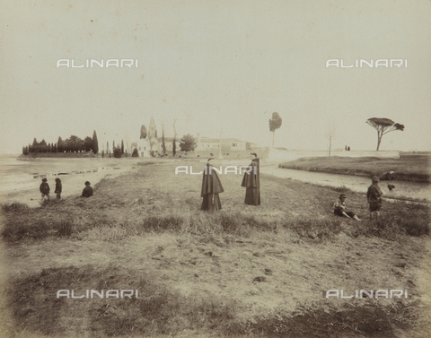 "AVQ-A-004389-0009 - ""Isole della Laguna di Venezia"", animated view of the Island of San Francesco del Deserto, Venice - Data dello scatto: 1880-1890 - Archivi Alinari, Firenze"
