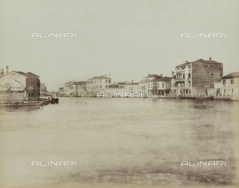 "AVQ-A-004389-0012 - ""Isole della Laguna di Venezia"", view of the Canal Grande in the Island of Murano, Venice - Data dello scatto: 1880-1890 - Archivi Alinari, Firenze"