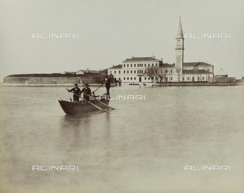 """AVQ-A-004389-0015 - """"Isole della Laguna di Venezia"""", view of the Island of Poveglia, Venice - Data dello scatto: 1880-1890 - Archivi Alinari, Firenze"""