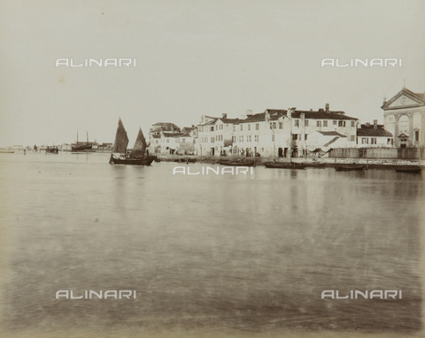 "AVQ-A-004389-0016 - ""Isole della Laguna di Venezia"", view of San Pietro in Volta and Porto Secco in the Island of Pellestrina, Venice - Data dello scatto: 1880-1890 - Archivi Alinari, Firenze"