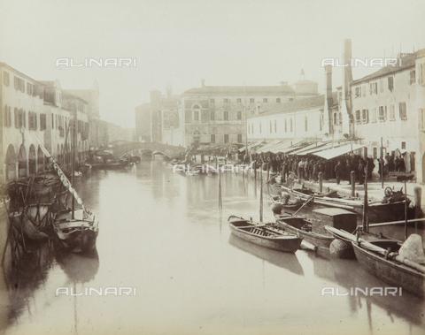 """AVQ-A-004389-0022 - """"Isole della Laguna di Venezia"""", Canal Vena in Chioggia, Venice - Data dello scatto: 1880-1890 - Archivi Alinari, Firenze"""