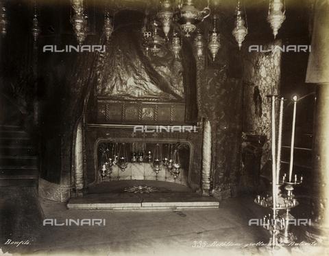 """AVQ-A-004884-0025 - Album """"Palestine 1887"""": grotta della Natività, Basilica della Natività, Betlemme - Data dello scatto: 1887 - Archivi Alinari, Firenze"""