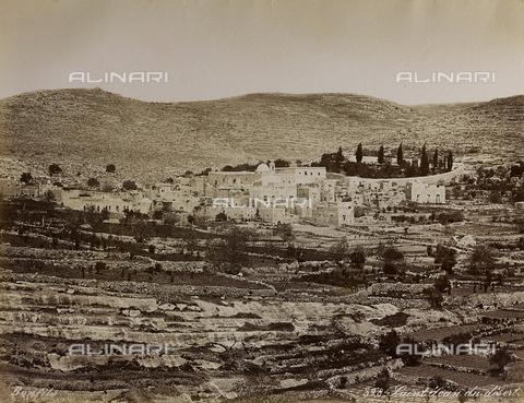 """AVQ-A-004884-0026 - Album """"Palestine 1887"""": veduta di San Giovanni del Deserto, Ain Karem - Data dello scatto: 1887 - Archivi Alinari, Firenze"""