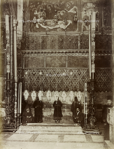 "AVQ-A-004884-0034 - Album ""Palestine 1887"": The Anointing Stone, a relic of the Passion of Jesus, Basilica of the Holy Sepulchre, Jerusalem - Data dello scatto: 1887 - Archivi Alinari, Firenze"