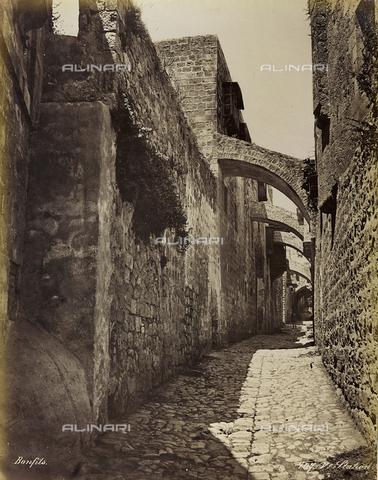 """AVQ-A-004884-0037 - Album """"Palestine 1887"""": luogo della Quinta Stazione della Via Dolorosa, Gerusalemme - Data dello scatto: 1887 - Archivi Alinari, Firenze"""