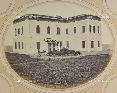 AVQ-A-004912-0028 - Villa Fenzi at Fortullino, Castiglioncello - Date of photography: 1890-1900 - Fratelli Alinari Museum Collections, Florence