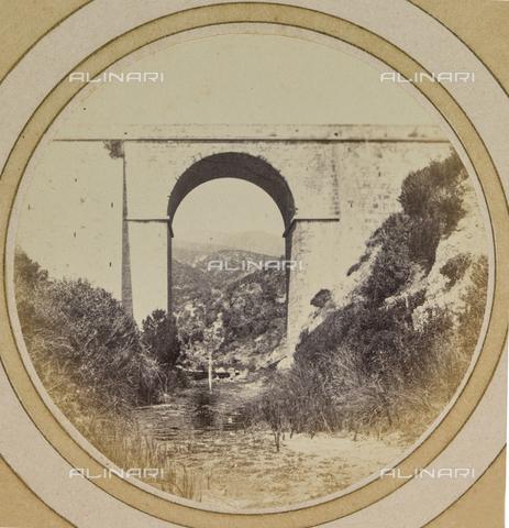 AVQ-A-004912-0033 - Railway bridge near Villa Fenzi at Fortullino, Castiglioncello - Date of photography: 1890-1900 - Fratelli Alinari Museum Collections, Florence