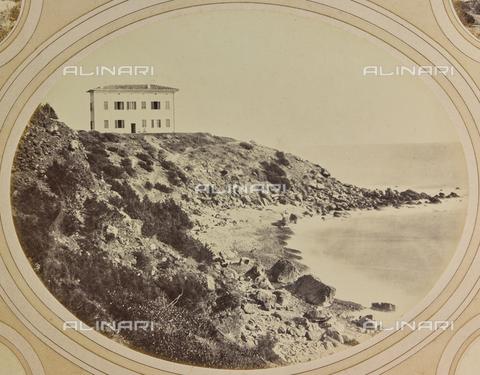 AVQ-A-004912-0037 - Panorama of the coast with Villa Fenzi at Fortullino, Castiglioncello - Date of photography: 1890-1900 - Fratelli Alinari Museum Collections, Florence