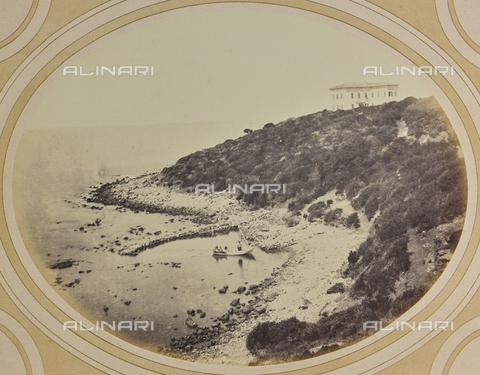 AVQ-A-004912-0040 - Panorama of the coast with Villa Fenzi at Fortullino, Castiglioncello - Date of photography: 1890-1900 - Fratelli Alinari Museum Collections, Florence