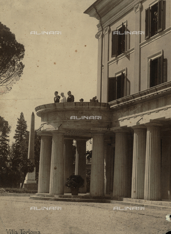 BAA-F-000034-0000 - Edda Ciano Mussolini and Benito Mussolini with the terrace of Villa Torlonia, on their wedding day - Date of photography: 24/04/1930 - Fratelli Alinari Museum Collections-Badodi Archive, Florence