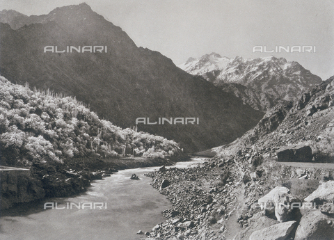 "BAF-A-004889-0002 - ""The expedition to Karakorum and the western Himalaya's by Prince Luigi Amedeo of Savoy, Duke of Abruzzi"": the Dras Valley below Karal - Data dello scatto: 1909 - Archivi Alinari, Firenze"