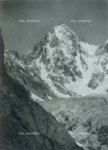 BAF-A-004889-0017 - The expedition in Karakorum and in the western Himalaya's by Prince Luigi Amedeo of Savoy, Duke of Abruzzi: the Gasherbrum - Data dello scatto: 1909 - Archivi Alinari, Firenze