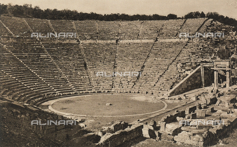 "BAF-A-004894-0109 - ""En Grèce par monts et par vaux"" (""In Greece Through Mountains and Valleys""): Theater at Epidaurus - Data dello scatto: 1903-1910 - Archivi Alinari, Firenze"