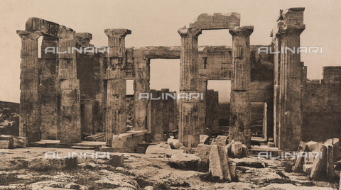 "BAF-A-004894-0119 - ""En Grèce par monts et par vaux"" (""In Greece Through Mountains and Valleys""): ruins of the eastern colonnade of the Propylaea on the Acropolis in Athens - Data dello scatto: 1903-1910 - Archivi Alinari, Firenze"