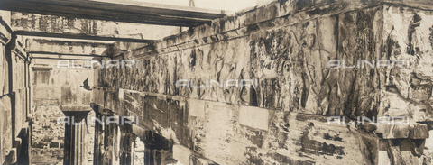 "BAF-A-004894-0122 - ""En Grèce par monts et par vaux"" (""In Greece Through Mountains and Valleys""): western frieze of the Parthenon in Athens - Data dello scatto: 1903-1910 - Archivi Alinari, Firenze"
