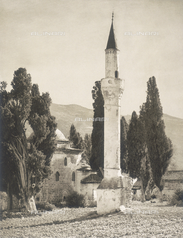 "BAF-A-004894-095A - ""En Grèce par monts et par vaux"" (""In Greece Through Mountains and Valleys""): Mosque of Baba in Thessaly - Data dello scatto: 1903-1910 - Archivi Alinari, Firenze"