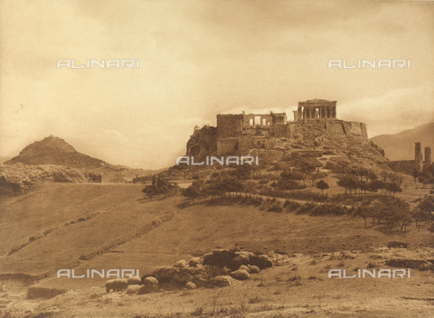 "BAF-A-004894-106A - ""En Grèce par monts et par vaux"" (""In Greece Through Mountains and Valleys""): Acropolis in Athens - Data dello scatto: 1903-1910 - Archivi Alinari, Firenze"