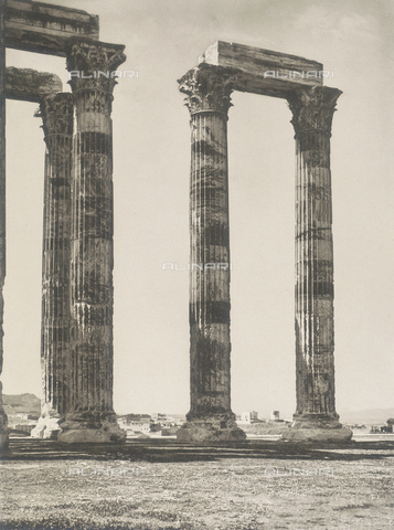 "BAF-A-004894-129A - ""En Grèce par monts et par vaux"" (""In Greece Through Mountains and Valleys""): The Olympeion or Temple of Zeus in Athens - Data dello scatto: 1903-1910 - Archivi Alinari, Firenze"